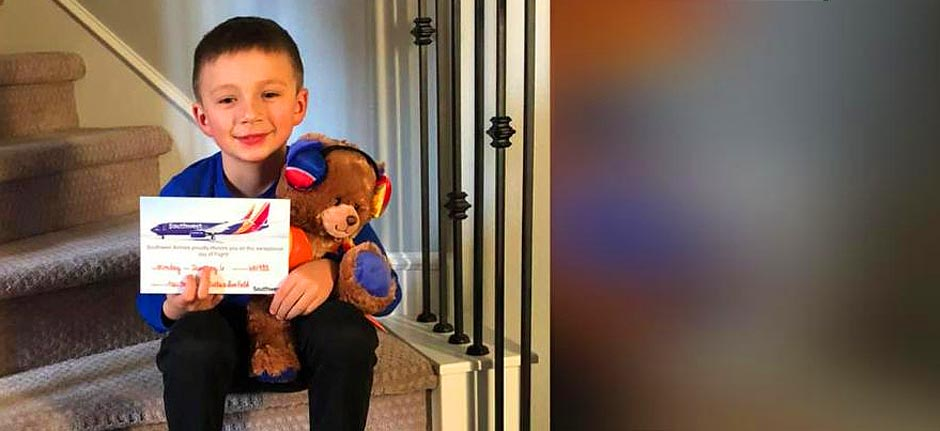 A boy who left his Teddy on plane re-bear'd by Airline