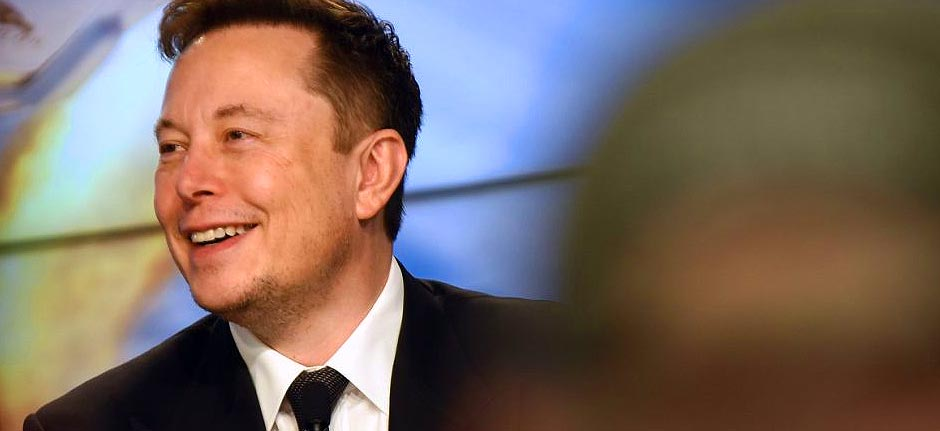 Elon Musk: 'Facebook's lame and you should delete it'